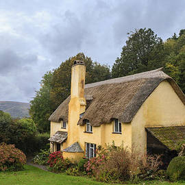 Chris Smith -  Picturesque Thatched roof cottage in Selworthy