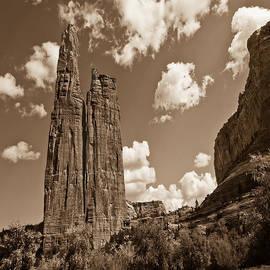 Bob and Nadine Johnston -  Spider Rock Canyon De Chelly