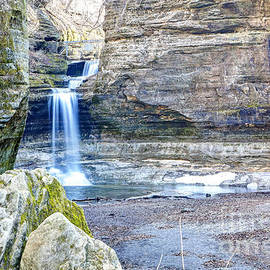 Steve Sturgill - 0940 Cascade Falls - Matthiessen State Park