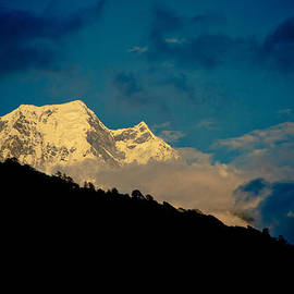 Raimond Klavins - Annapurna Holy Mountain In Himalyas