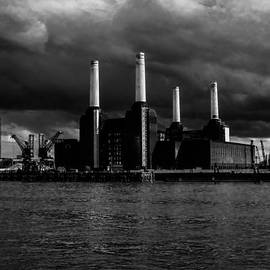 Claire  Doherty - River View of Battersea Power Station