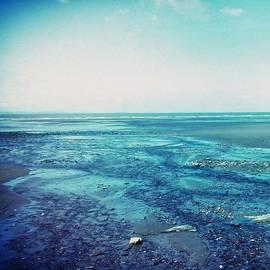 Candy Floss Happy - blue beach