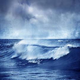 Guido Montanes Castillo - Blue wave