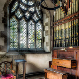 Adrian Evans - Chapel Organ