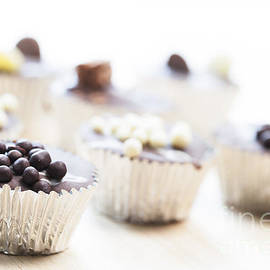 Charlotte Lake - Chocolate Cupcake