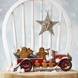 Christopher and Amanda Elwell - Christmas Gingerbread