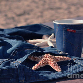 Luv Photography - Coffee By The Sea