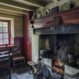 Ian Mitchell - Cosy Cottage