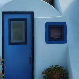 Colette V Hera  Guggenheim  - Cute Santorini Island Hause