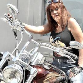 Sue Rosen - Debbie Deuce