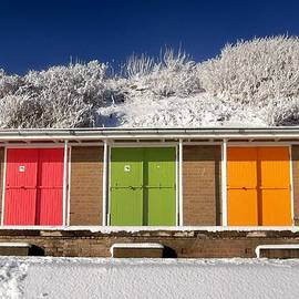 Geoff Ford - English beach huts in the snow 2