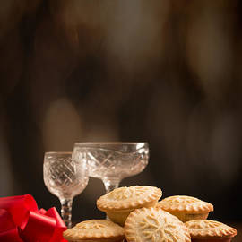 Amanda And Christopher Elwell - Festive Mince Pies