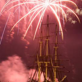 Jeff Folger - Fireworks exploding over Salem