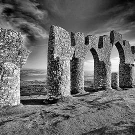 Grant Glendinning - Fyrish monument
