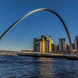 Trevor Kersley - Gateshead Millenium Bridge
