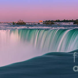 Henk Meijer Photography - Horseshoe Falls is a part of the Niagara Falls