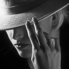 Barbara D Richards - Intrigue
