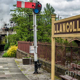 Adrian Evans - Llangollen Railway Station