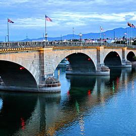 Kristin Elmquist - London Bridge