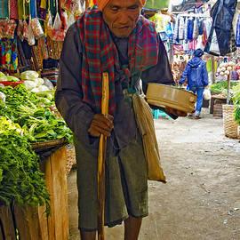 Claude LeTien - Nyaung Oo Market