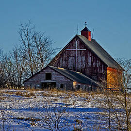 Rick Grisolano Photography LLC - Old Barn with Cross - Vertical