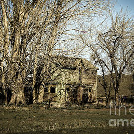 Robert Bales - Old Farm House