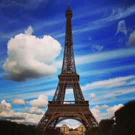 Luisa Azzolini - #paris #toureiffel #france