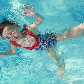 Maria Bobrova - Pool Dive Fun