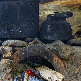 Alexey Stiop - Pots on the stove
