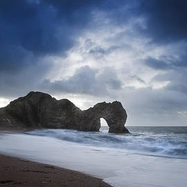 Matthew Gibson - Pre-dawn Durdle Door on Jurassic Coast in England