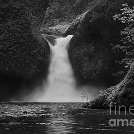 Keith Kapple - Punchbowl Falls