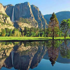 Lynn Bauer - Reflections of Yosemite Falls