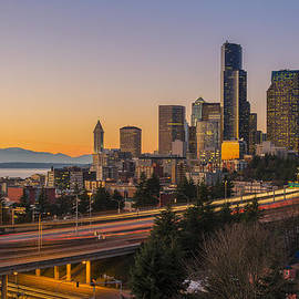 Stefano Politi Markovina - Seattle skyline at sunset