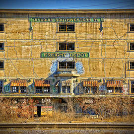 Greg Kluempers - Abandoned Southwestern Freight Depot DSC03080