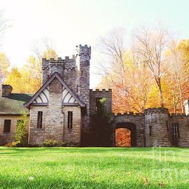Rachel Barrett - Squires Castle