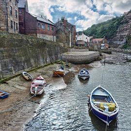 Lynn Bolt - Staithes North Yorkshire