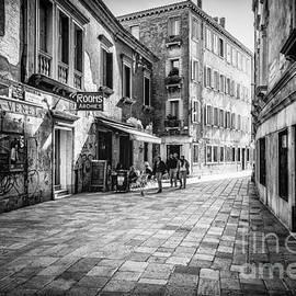 Traven Milovich - Street of Venice