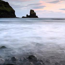Grant Glendinning - Talisker bay Scotland