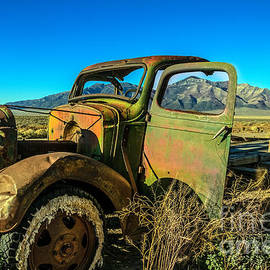 Robert Bales - This Old Truck
