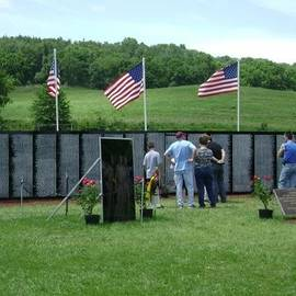 R A W M   - Vietnam Traveling Memorial Wall