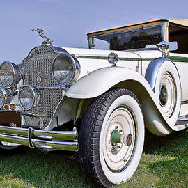 Marcia Colelli - 1930 Packard Standard Eight 733 Convertible Coupe