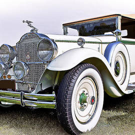 Marcia Colelli - 1930 Packard Standard Eight