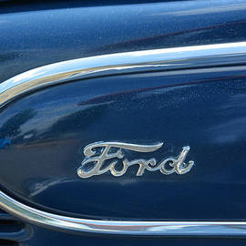 Mike Martin - 1939 Ford Emblem