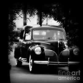 Bobbee Rickard - 1941 Lincoln Limo Anyone