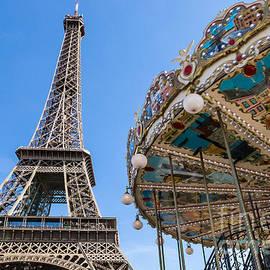 Rhonda Krause - Carrousel de la Tour Eiffel
