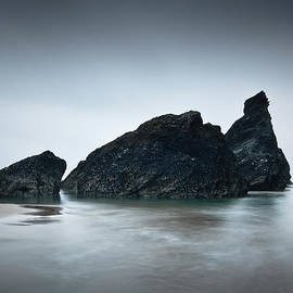Milan Gonda - Cornwall sea stacks.