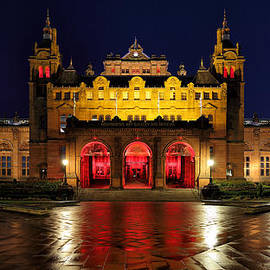 Maria Gaellman - Glasgow Kelvingrove Art Gallery and Museum at Night