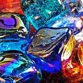 Sarah Loft - Glass Abstract 686