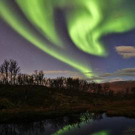 David Broome - Nordic Autumn Aurora Reflections