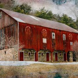 Lisa Hurylovich - Red Barn